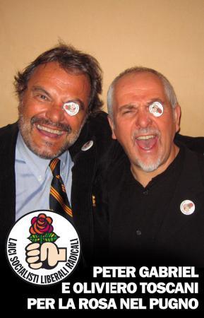 Peter Gabriel ed Oliviero Toscani testimonial della Rosa Nel Pugno