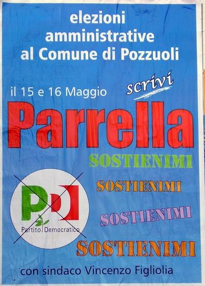 manifesto elettorale del candidato parrella, con numerose scritte policrome 'sostienimi'